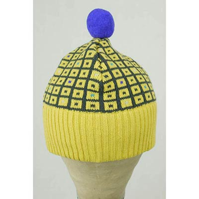 The toymaker's bobble hat (yellow/dark grey)